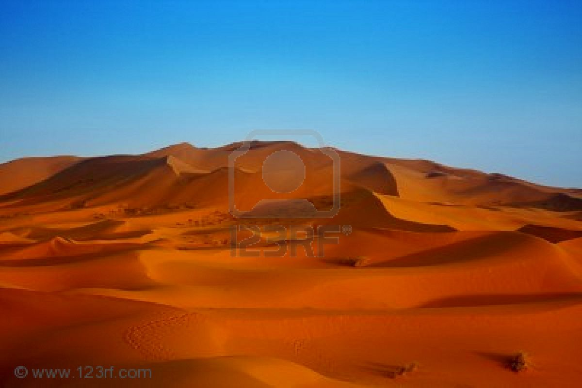 5498675-sunset-over-sahara-desert-morocco